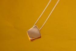 18金ピンクゴールド ダイヤモンドプチネックレス 角型 ネックレスはイタリー製