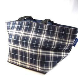 BURBERRY BLUE LABEL / バーバリーブルーレーベル ◆トートバッグ/チェック柄/ナイロン/ネイビー×グレー レディースファッション【バッグ/バック/BAG/鞄/カバン】 【中古】