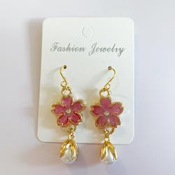UVレジン ハンドメイドピアス 桜とパールフラワー