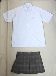 日本の学校の制服(朋優高校(夏服))