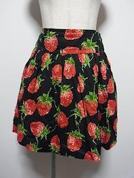 ロイヤルストロベリーのミニスカート
