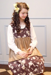 【direct sales】Antique Alice Velveteen Dress  Color: LightBrown×Chocolate