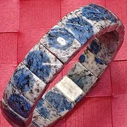 希少高級天然石 最強ヒーリングストーン ヒマラヤK2ブルー(アズライトイングラナイト)のパワーストーンブレスレット(3)