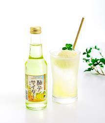 生搾り果汁入り「箕面柚子サイダー」(250ml×12)